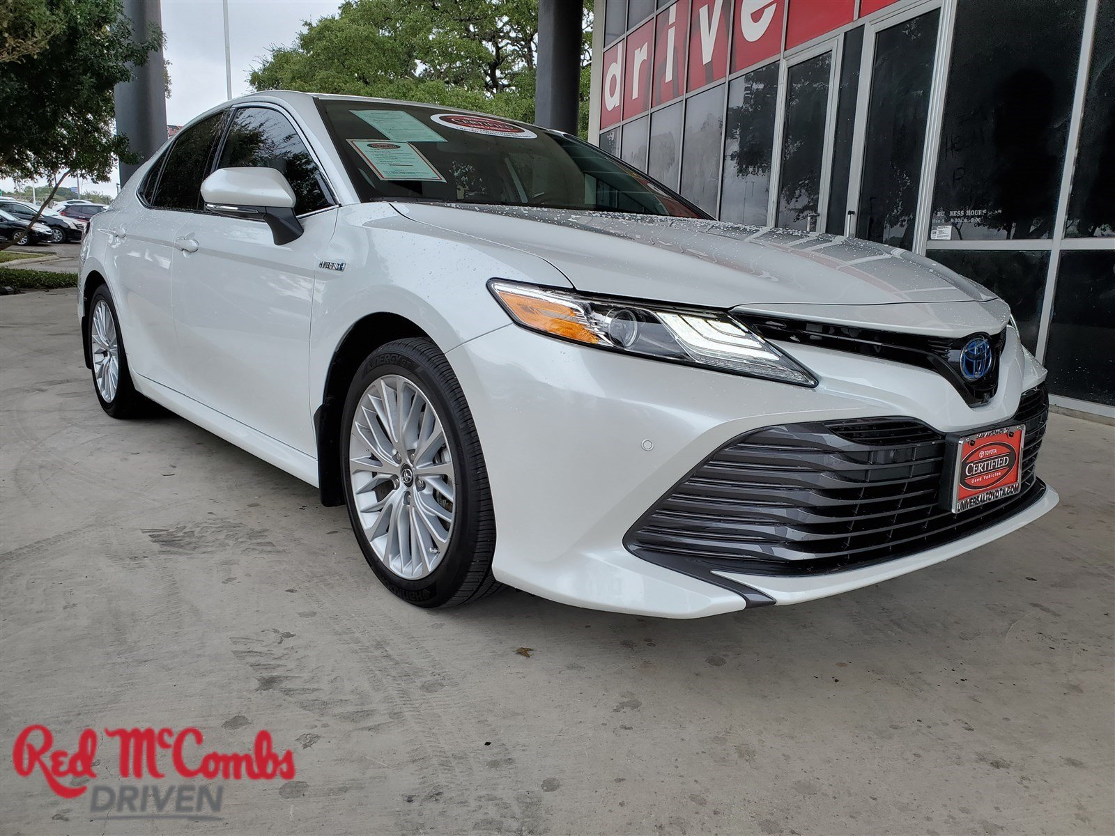 Certified Pre-Owned 2019 Toyota Camry Hybrid SE
