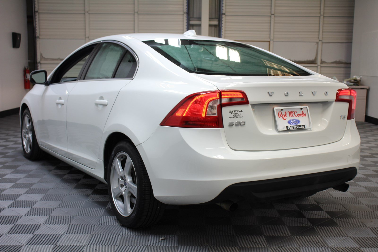 Pre-Owned 2012 Volvo S60 T5