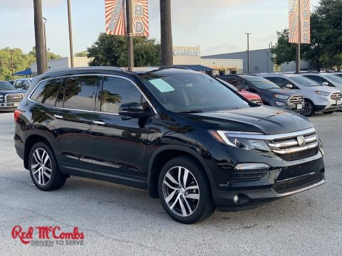 Certified Pre-Owned 2017 Honda Pilot Touring With Navigation